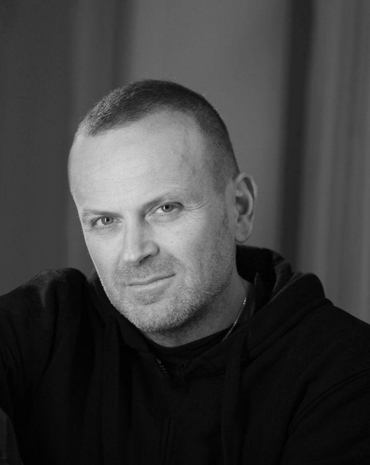 Le couturier Maurizio Galante (Azzurra Primavera)