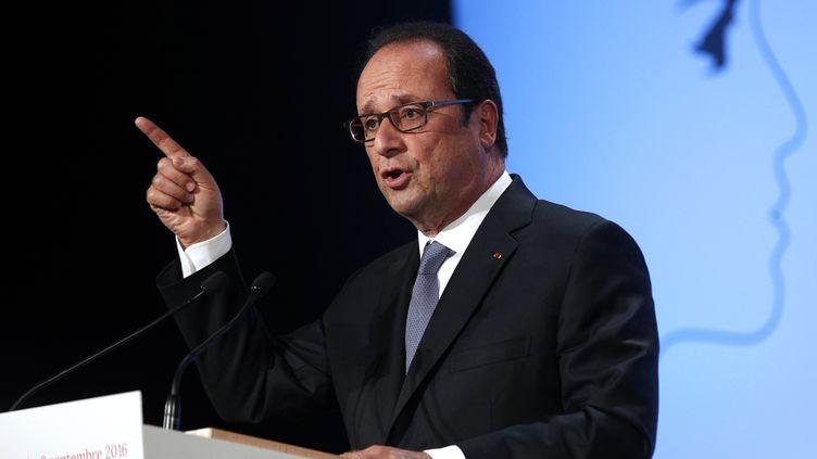 """François Hollande prononce un discours salle Wagram à Paris, le 8 septembre 2016, surle thème de """"La démocratie face au terrorisme"""". (CHRISTOPHE ENA / POOL / AFP)"""