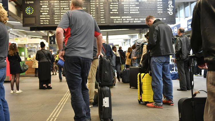 Quel que soit le motif, au-delà de 30 minutes de retard d'un TGV ou d'un Intercité, la SNCF devra indemniser le passager (FRANCK DUBRAY / MAXPPP)