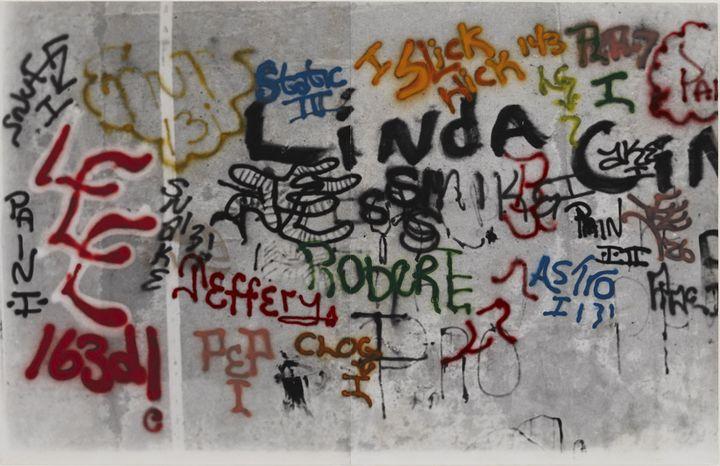 "Gordon Matta-Clark, ""Graffiti"" (1973) - Courtesy The Estate of Gordon Matta-Clark et David Zwirner, New York / Londres / Hong Kong  (2018 The Estate of Gordon Matta-Clark / ADAGP, Paris)"