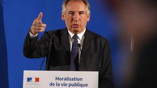 Le ministre de la Justice, François Bayrou, le 1er juin 2017 à Paris, lors d'une conférence de presse sur le projet de moralisation de la vie publique. (FRANCOIS GUILLOT / AFP)