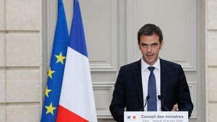 Le ministre de la Santé, Olivier Véran, lors d'une conférence de presse à l'Elysée, à Paris, le 29 février 2020. (FRANCOIS GUILLOT / AFP)