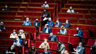 L'Assemblée nationale lors d'une séance de questions au gouvernement, le 13 juillet 2021, à Paris. (XOSE BOUZAS / HANS LUCAS / AFP)