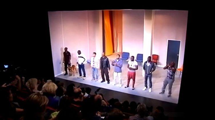 """Les acteurs de """"81, avenue Victor Hugo"""" au Théâtre de la Commune d'Aubervilliers  (Culturebox)"""