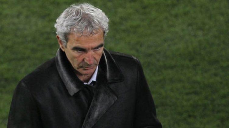 La déception de Raymond Domenech suite à la défaite de la France face au Mexique