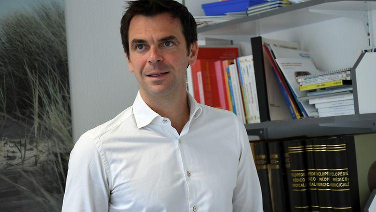 Olivier Véran, député La République en marche de l'Isère et neurologue au CHU de Grenoble. (JEAN-PIERRE CLATOT / AFP)