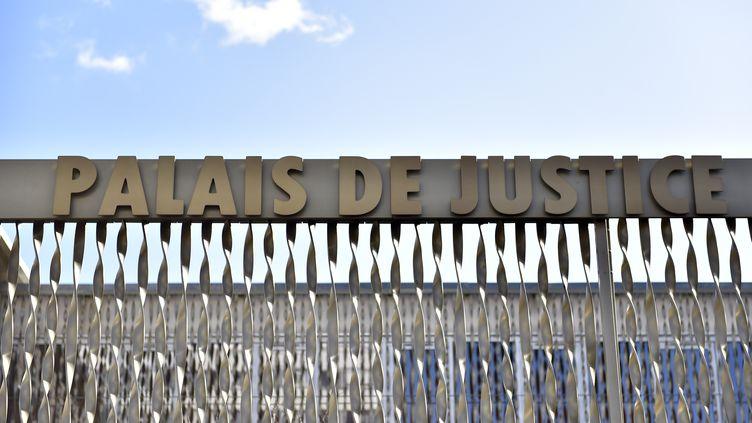 Le palais de justice de Lorient (Morbihan), le 10 février 2016. (LOIC VENANCE / AFP)