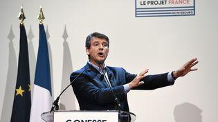 L'ancien ministre de l'Economie et candidat à la primaire àgauche, Arnaud Montebourg, prononce un discours à Gonesse (Val-d'Oise), le 19 septembre 2016. (CHRISTOPHE ARCHAMBAULT / AFP)