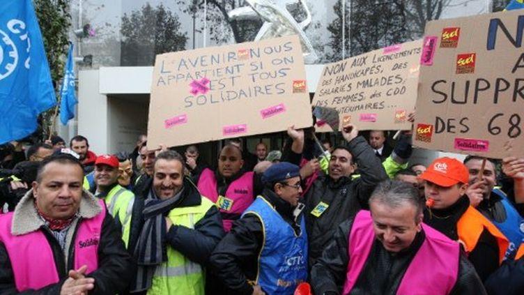 Manifestation lors de l'annonce des suppressions de postes chez PSA (15 novembre) (Michel Stoupak / citizenside.com)