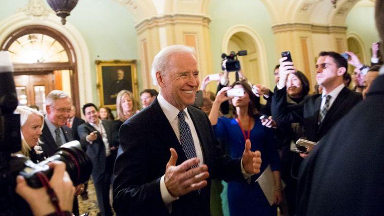Le vice-président américain, Joe Biden, au Sénat, à Washington (Etats-Unis), le 31 décembre 2012. (DREW ANGERER / GETTY IMAGES NORTH AMERICA / AFP)