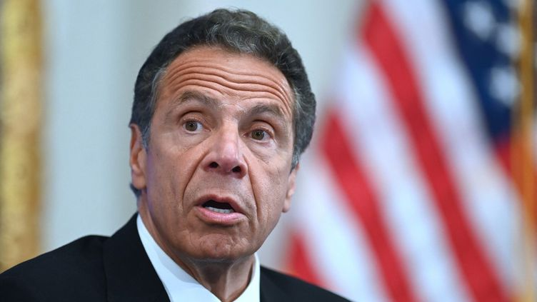 Le gouverneur de l'Etat de New York, Andrew Cuomo, lors d'une conférence de presse, le26 mai 2020. (JOHANNES EISELE / AFP)