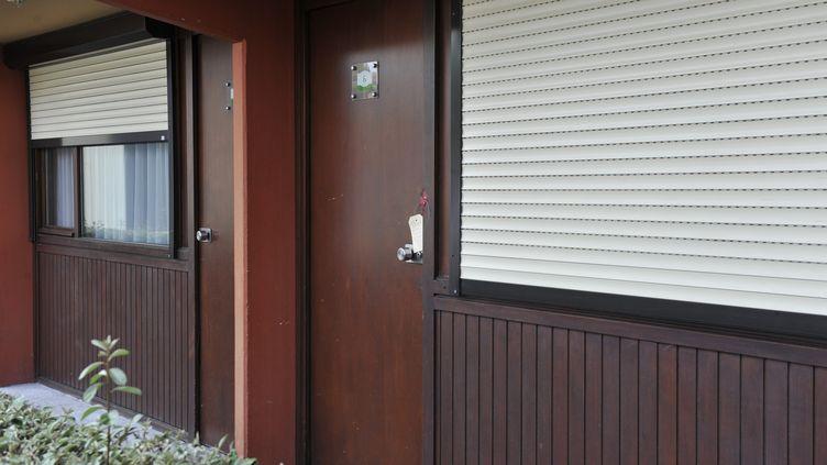 Le bébé de 5 mois a été retrouvé mort étranglé dans cette chambre d'hôtel de la banlieue de Tarbes. (JOEL BOYE / LA DEPECHE DU MIDI / MAXPPP)