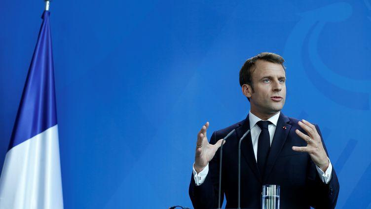 Emmanuel Macron donne une conférence de presse à Berlin (Allemagne), le 29 avril 2019. (ABDULHAMID HOSBAS / ANADOLU AGENCY / AFP)