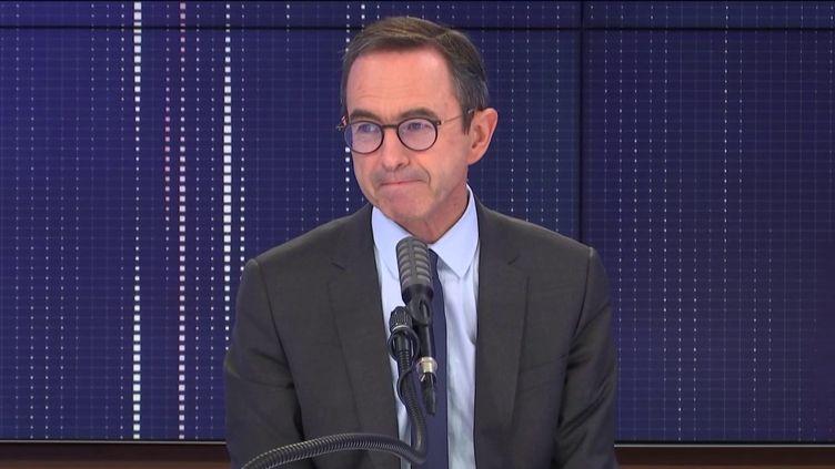 """Bruno Retailleau,président du groupe Les Républicains au Sénat, était l'invité du """"8h30 franceinfo"""", jeudi 5 novembre 2020. (FRANCEINFO / RADIOFRANCE)"""