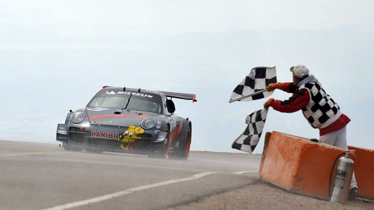 Romain Dumas a frôlé l'exploit à Pikes Peak avec sa Porsche 911 GT3 R