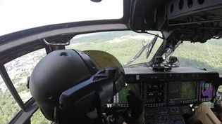 L'armée française mise sur les nouvelles technologies. Les hélicoptères sont équipés d'un système numérique qui permet d'anticiper une mission, de la mener et de collecter des renseignements. (FRANCE 3)