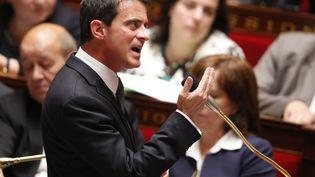 Le Premier ministre Manuel Valls à l'Assemblée nationale, le 25 mai 2016. (PATRICK KOVARIK / AFP)