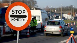 Un poste de contrôle à la frontière entre le Danemark et l'Allemagne, dans la ville de Krusa, le 5 janvier 2016. (CARSTEN REHDER / DPA / AFP)