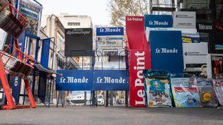 Un kiosque à Toulouse pendant le confinement, le 30 mars 2020. (JULIE IMBERT / HANS LUCAS / AFP)