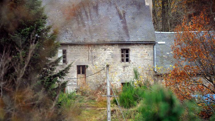 Vue de la ferme, à Tarnac (Corrèze),dans laquelle vivaient les personnes mises en examen en novembre 2008 après une série de sabotages sur une ligne TGV. (JEAN-PIERRE MULLER / AFP)