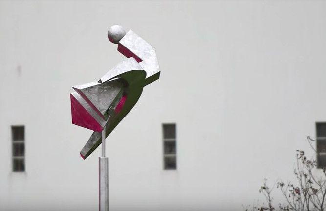 La sculpture de Matthew Ellis en acier (Agence France Presse)
