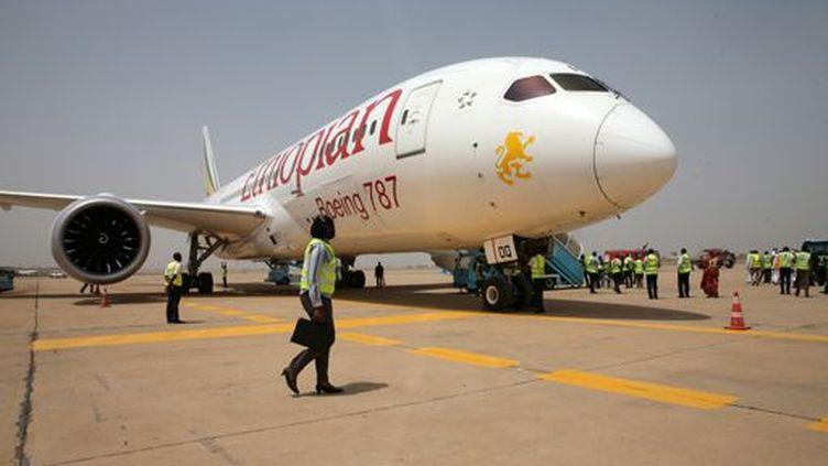 Un appareil d'Ethiopian Airlines, une des compagnies qui montent en Afrique, sur l'aéroport de Kaduna (Nigeria) le 8 mars 2017. (REUTERS - Afolabi Sotunde)