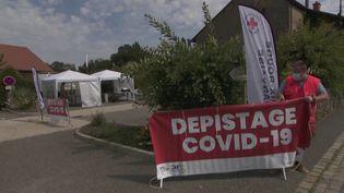 Un centre de dépistage Covid dans la commune de Ballaison, en Haute-Savoie. (CAPTURE ECRAN FRANCE 3)