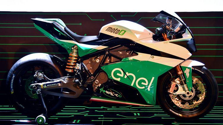 La moto électrique qui sera utilisée pour le championnat (ALBERTO PIZZOLI / AFP)