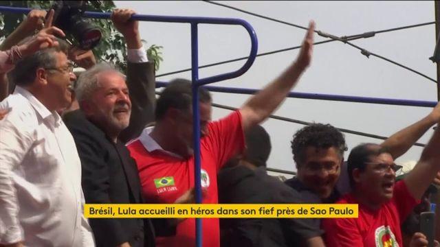 A peine libéré, Lula défie Jair Bolsonaro