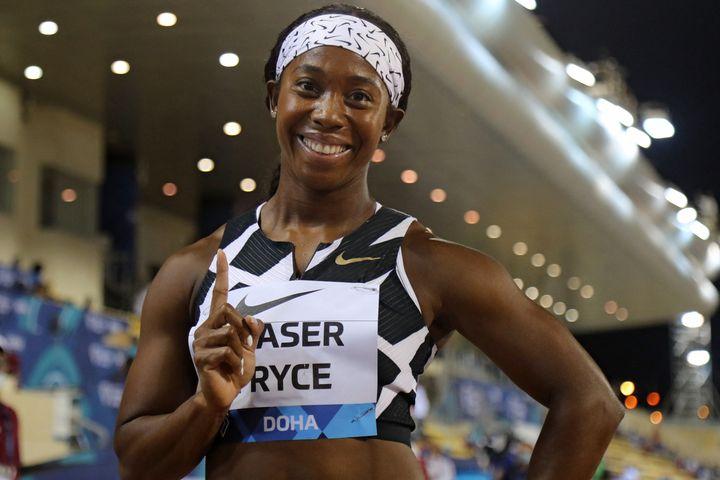 Shelly-Ann Fraser-Pryce après son succès sur 100 mètres lors du meeting de Doha, le 28 mai 2021. (KARIM JAAFAR / AFP)