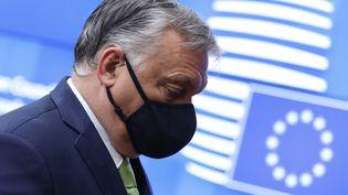 Le Premier ministre hongrois Viktor Orban arrive au second jour du sommet européen à Bruxelles, le 25 juin 2021. (ARIS OIKONOMOU / POOL / AFP POOL)