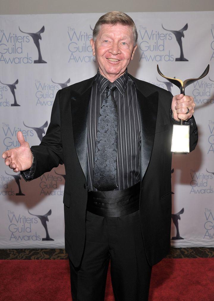 William Blinn reçoit le prixPaddy Chayefsky Laurel en 2009 à Los Angeles. (FRAZER HARRISON / GETTY IMAGES NORTH AMERICA)