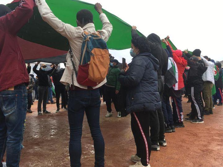 Un rassemblement de manifestants en soutien à la Palestine, place Bellecour à Lyon (Rhône), le 15 mai 2021. (DENIS SEBASTIEN / FRANCE TELEVISIONS)