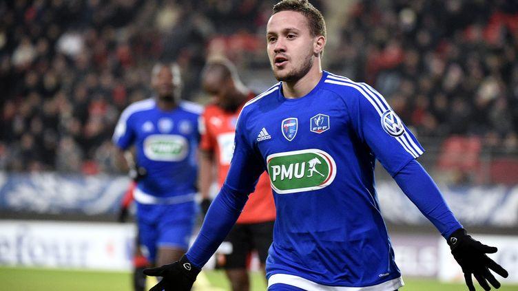 Julien Bègue, buteur pour Bourg-en-Bresse contre Rennes.  (DAMIEN MEYER / AFP)