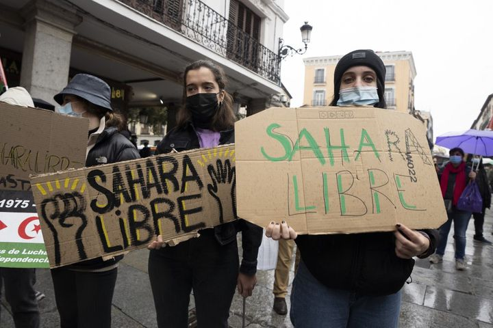 Le 14 novembre 2020 à Madrid (Espagne), des manifestants réclament un référendum d'autodétermination au Sahara occidental. (OSCAR GONZALEZ / NURPHOTO)