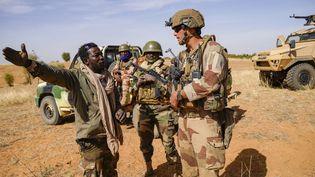 """Comme lors de l'opération """"Eclipse"""", en janvier 2021, les opérations conjointes entre Barkhane et l'armée malienne sont régulières. (FREDERIC PETRY / HANS LUCAS)"""