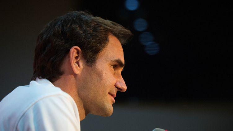 Roger Federer lors d'une conférence de presse au Cap (Afrique du Sud), le 7 février 2020. (RODGER BOSCH / AFP)