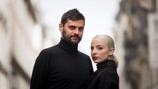 Le duo français Madame-Monsieur, le 12 avril 2018, à Paris. (LIONEL BONAVENTURE / AFP)