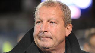Rolland Courbis, entraîneur de Montpellier, lors d'un match de Ligue 1 opposant Lorient à Montpellier, à Lorient (Morbihan), le 28 octobre 2015. (FRED TANNEAU / AFP)