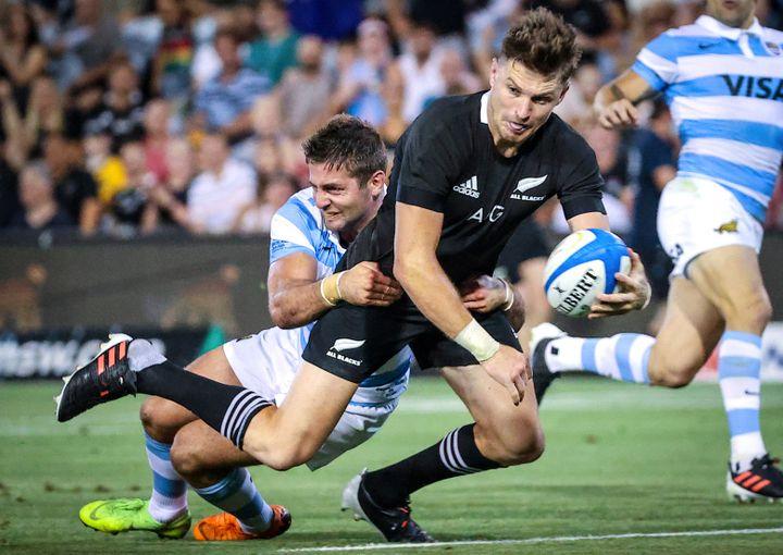 Le joueur de l'équipe de rugby de Nouvelle-ZélandeBeauden Barrett lors d'un match du Tri-Nations contre l'Argentine le 28 novembre 2020 (DAVID GRAY / AFP)