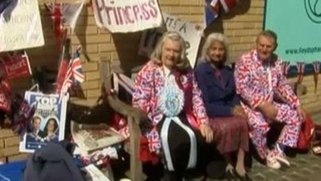 Royal baby : l'attente s'organise devant l'hôpital St Mary de Londres