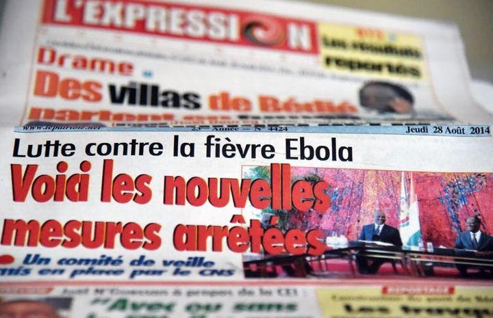 Ebola à la Une de la presse ivoirienne (ici en août 2014).  (Issouf Sanogo/AFP)