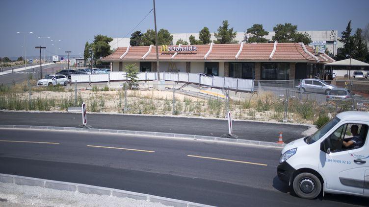 Le McDonald's Saint-Barthélémy, à Marseille, le 31 juillet 2018. (BERTRAND LANGLOIS / AFP)