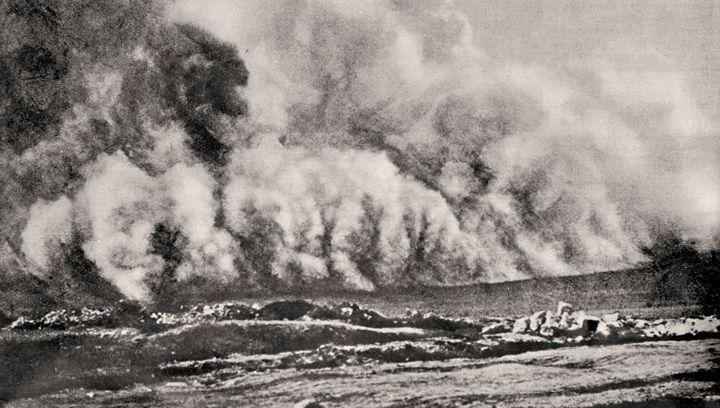 Attaque au gaz toxique lors de la bataille de Verdun (Meuse), en 1916. (BERLINER VERLAG / ARCHIV / AFP)
