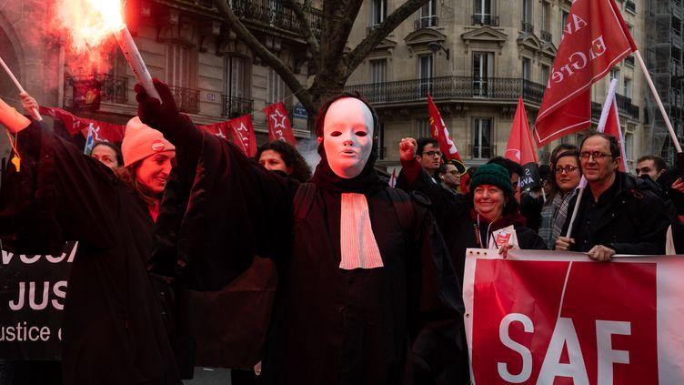 Une manifestation d'avocats contre la réforme des retraites, le 20 février 2020, à Paris. (RICCARDO MILANI / AFP)