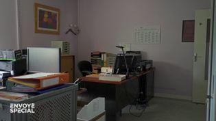 Coronavirus : pour cette petite entreprise, tout a basculé en une journée (ENVOYÉ SPÉCIAL  / FRANCE 2)