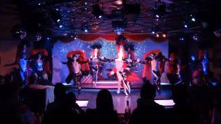 Une capture d'écran d'un spectacle du cabaret MP Show, situé à proximité de Marseille (Bouches-du-Rhône). ( YOUTUBE)