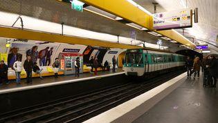 Dans le métro parisien, le 4 février 2016. (J-M EMPORTES  / ONLY FRANCE / AFP)