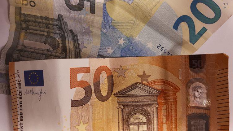 Des billets d'euros, à Paris, le 25 janvier 2019. (MARTINE BRESON / FRANCE-BLEU PARIS)