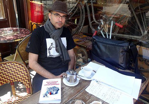Mana Neyestani, auteur du Petit manuel du parfait réfugié politique, à Paris le 21 avril 2015 (France Télévisions)